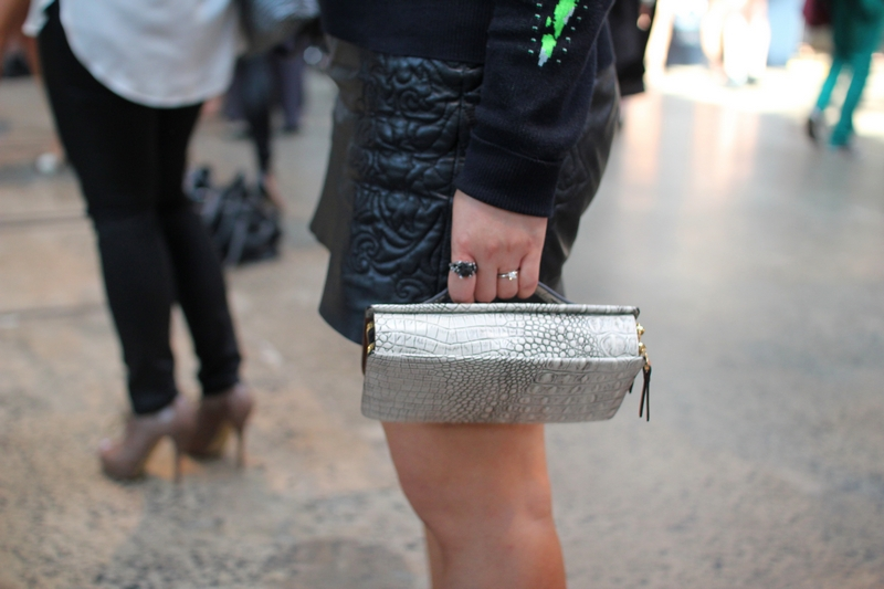 streetstyle mbfwa 2013 zara leather skirt snake clutch