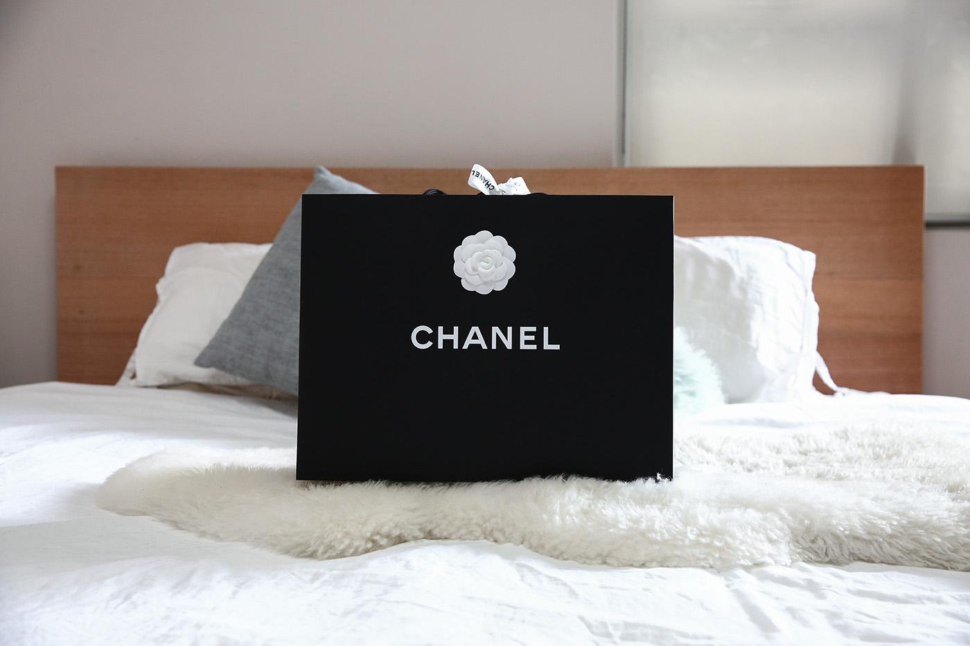 chanel chevron caviar leather small boy bag