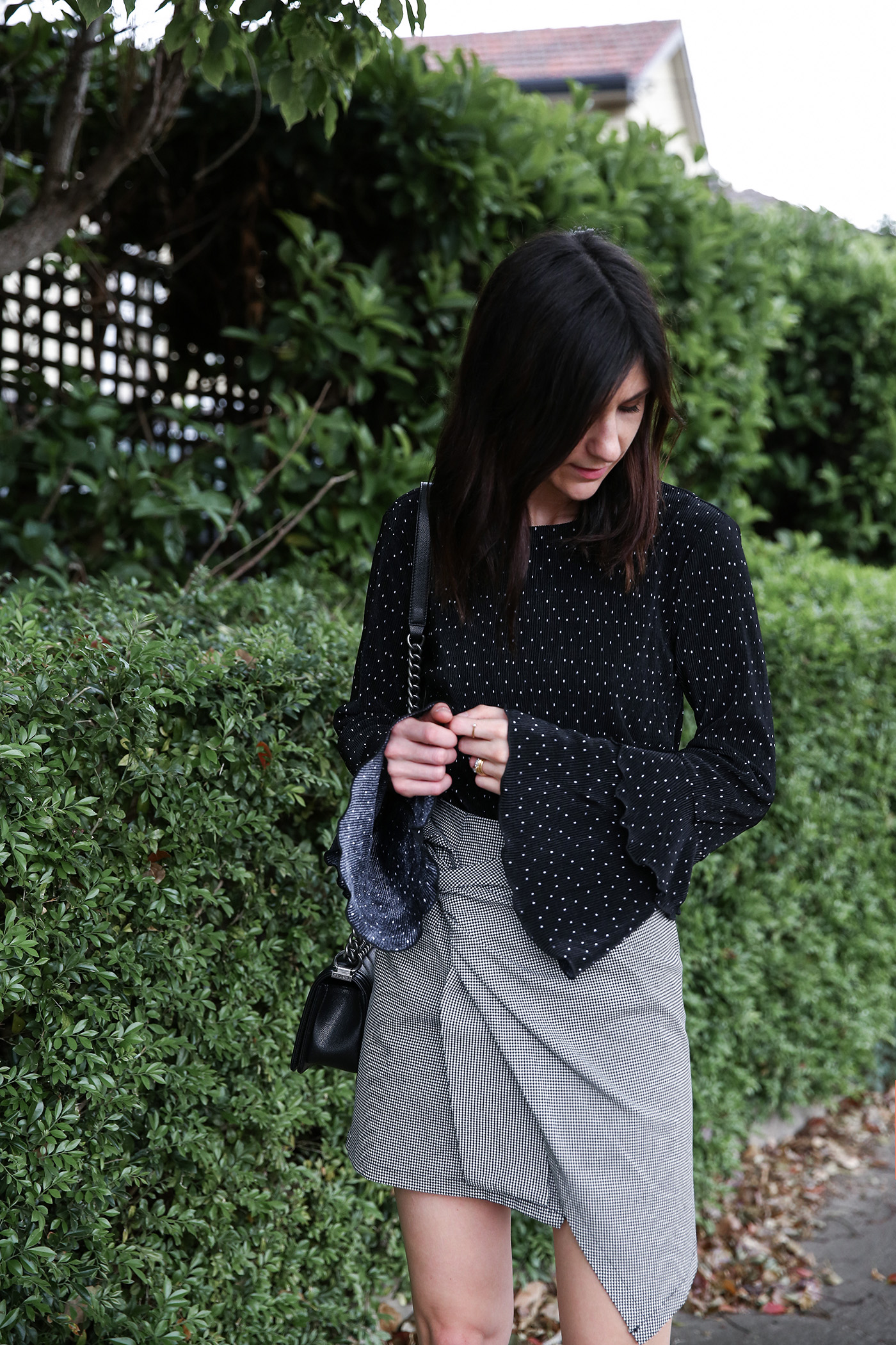 how to mix prints minimal outfit mademoiselle