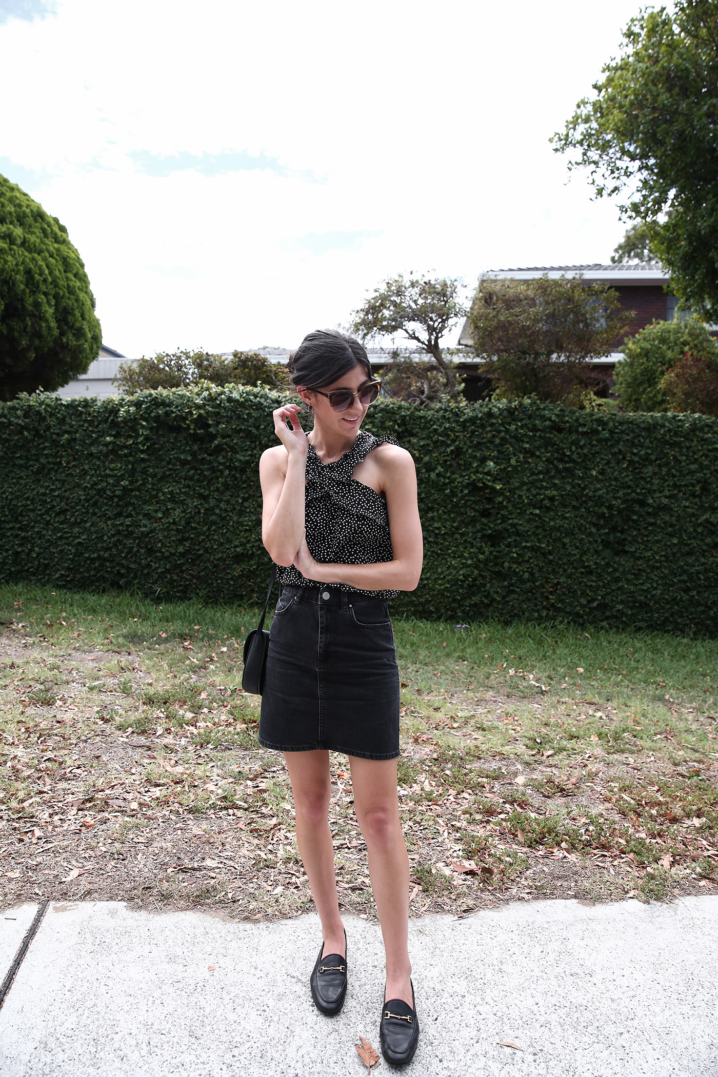 minimal black and white outfit choose well buy less