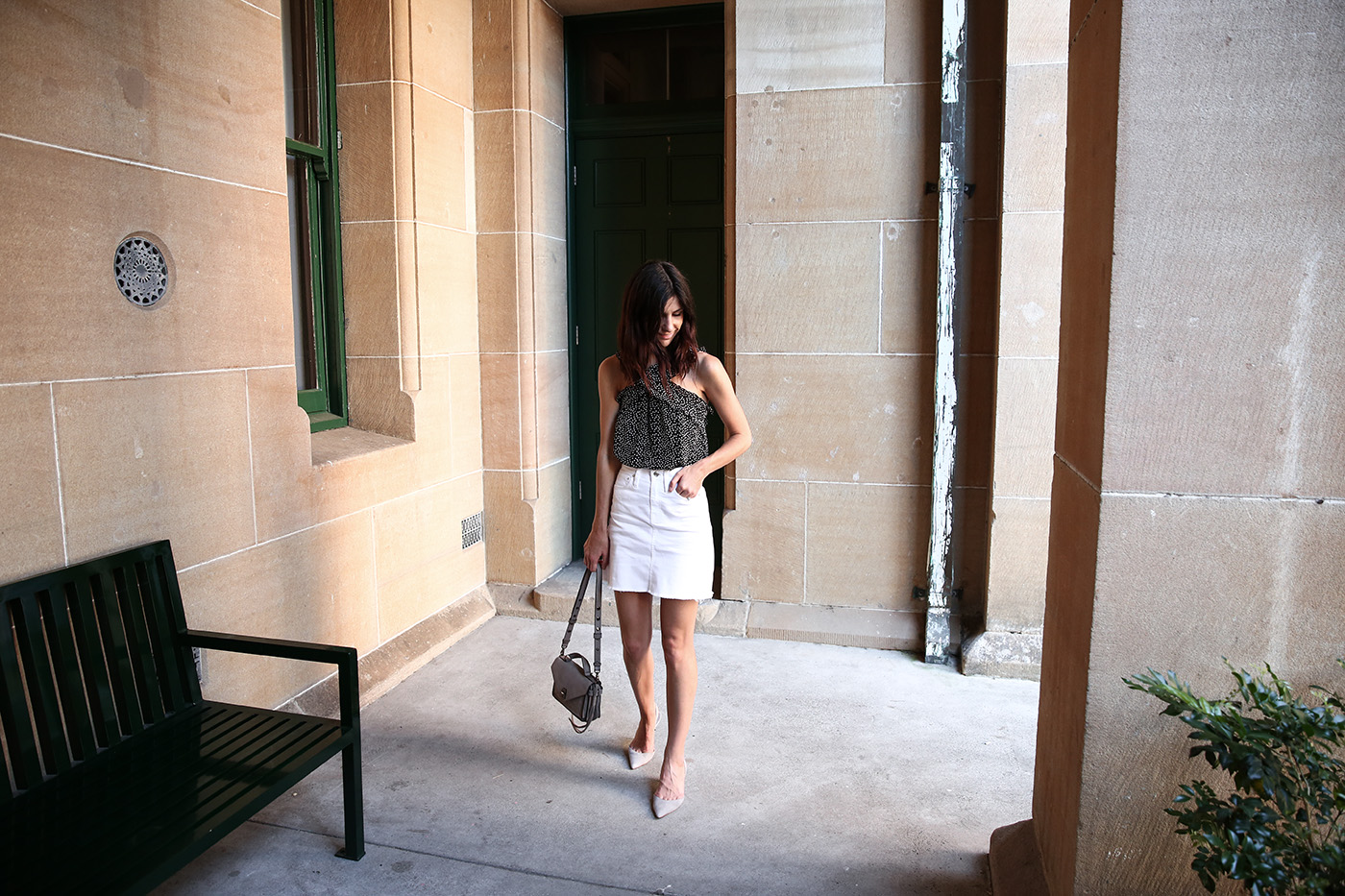 minimal wardrobe style recipe summer outfit