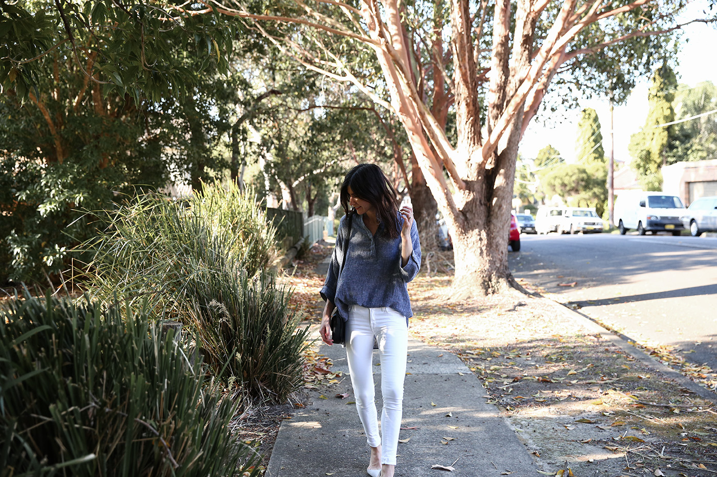 minimal outfit wearing cotton linen shirt