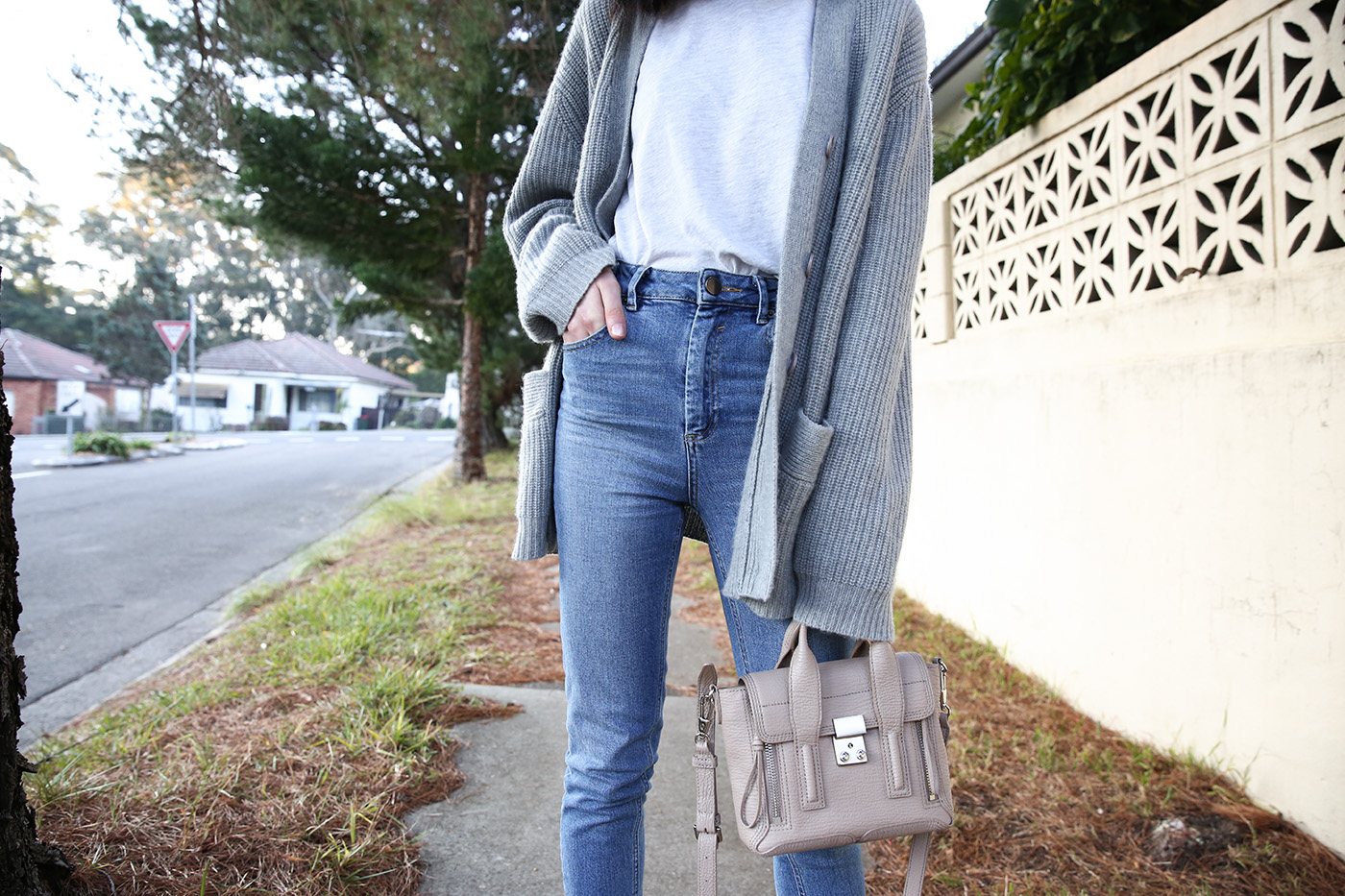 mademoiselle weekend wardrobe staples wearing minimal outfit