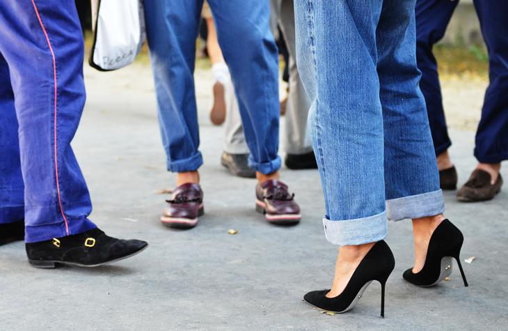 black heels pumps