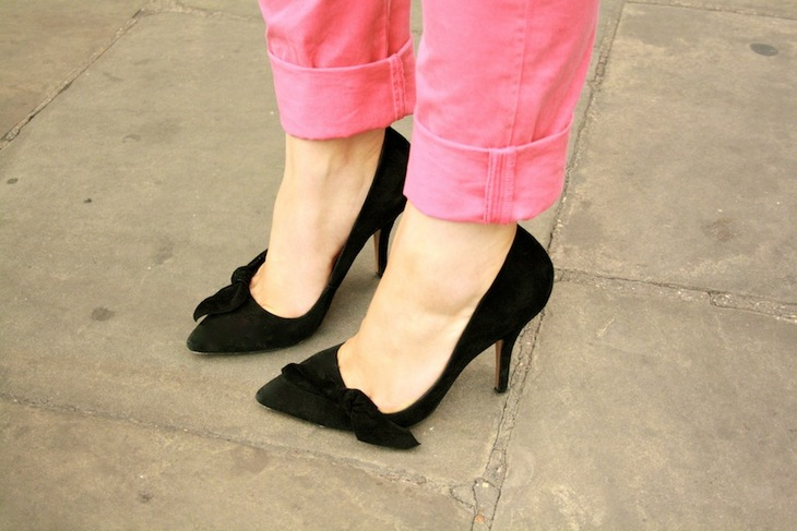 black heels pumps