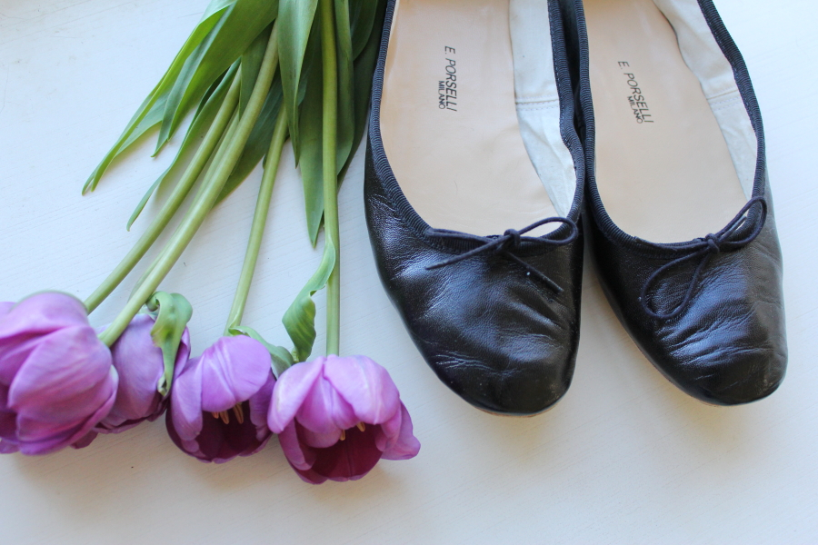 porselli black leather ballet flats