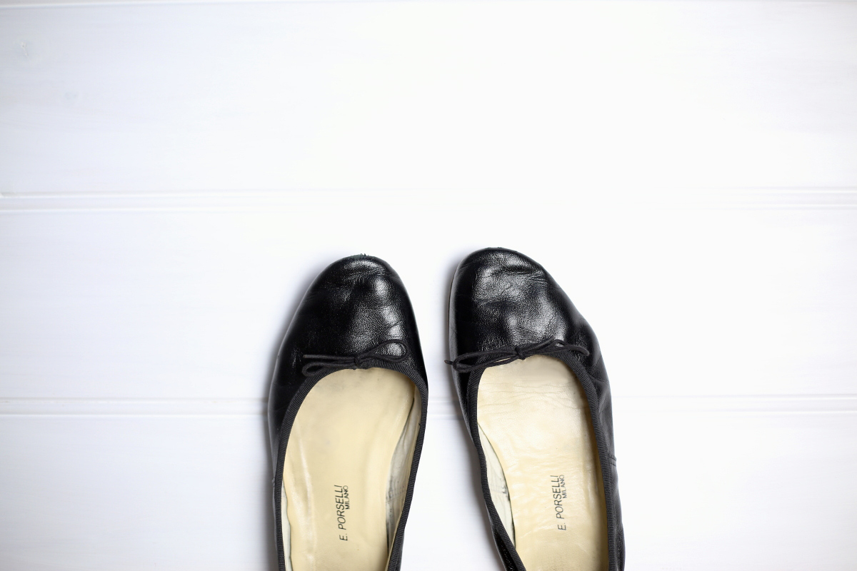 porselli black leather ballet flats shoes