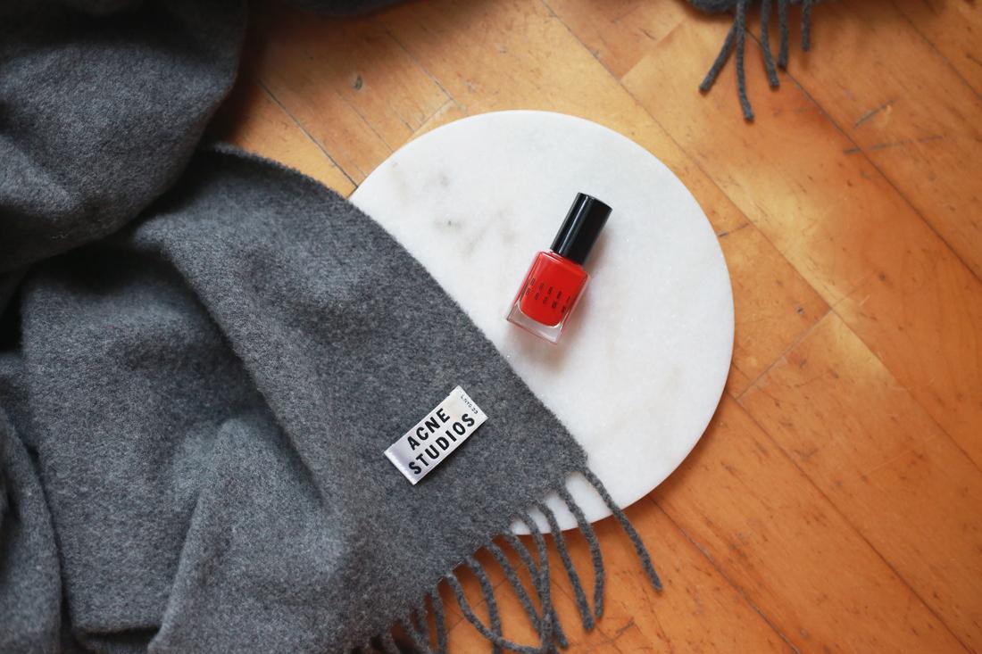 bobbi brown nail polish tomato red