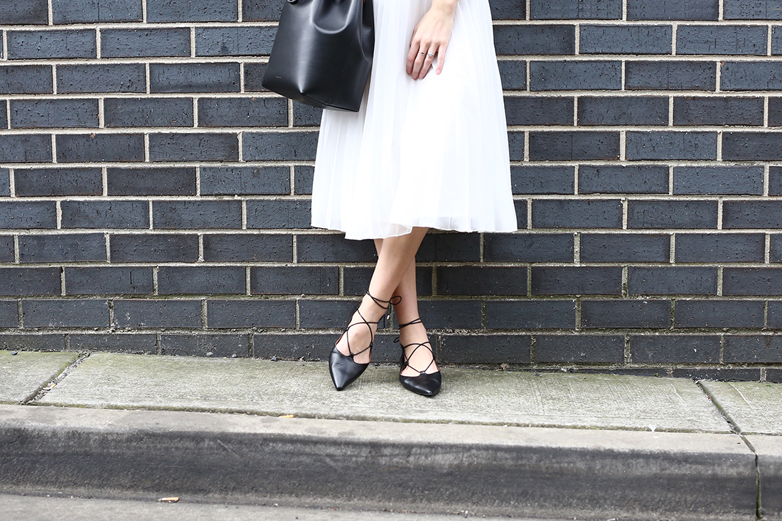 minimal style everlane cashmere topshop ghillie flats
