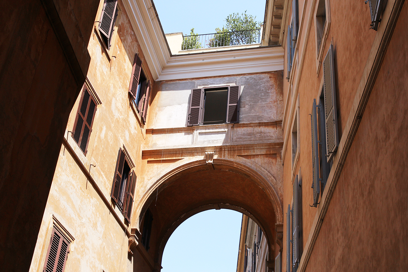 mademoiselle travels rome italy streets houses