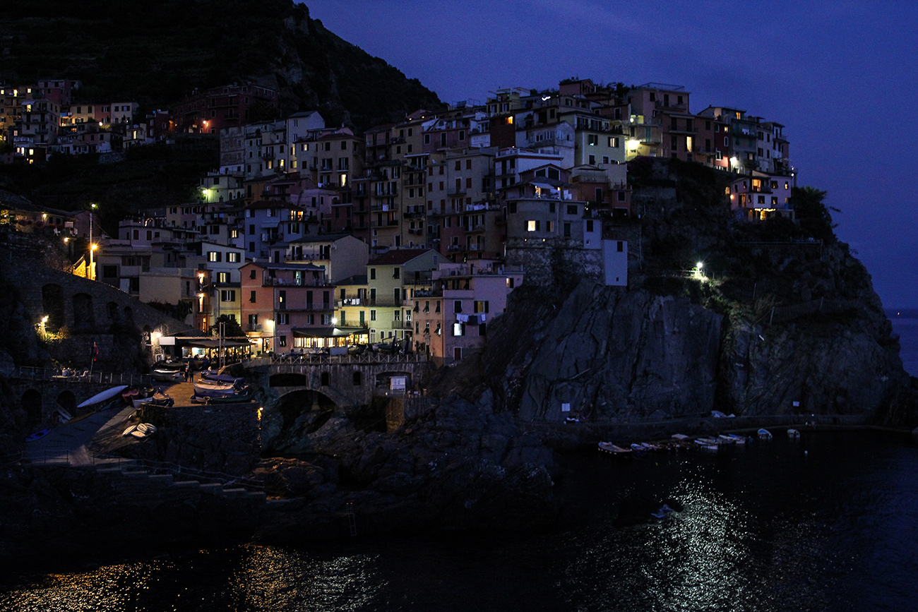mademoiselle travel cinque terre italy manarola night