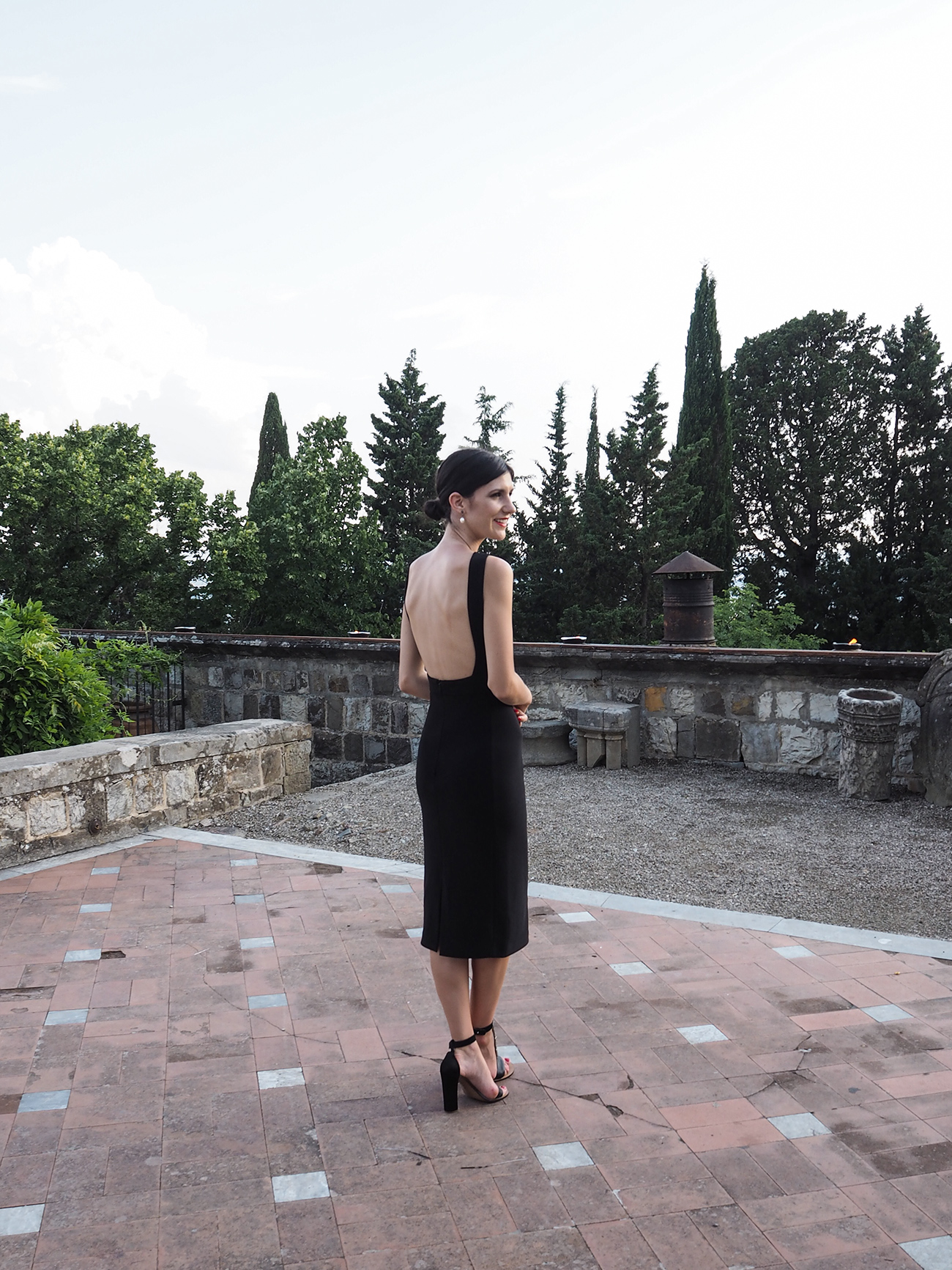 what to wear to a wedding dion lee dress