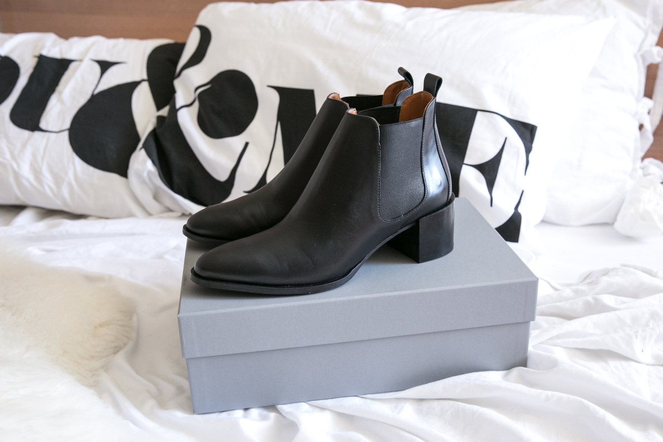 everlane heeled chelsea boot review