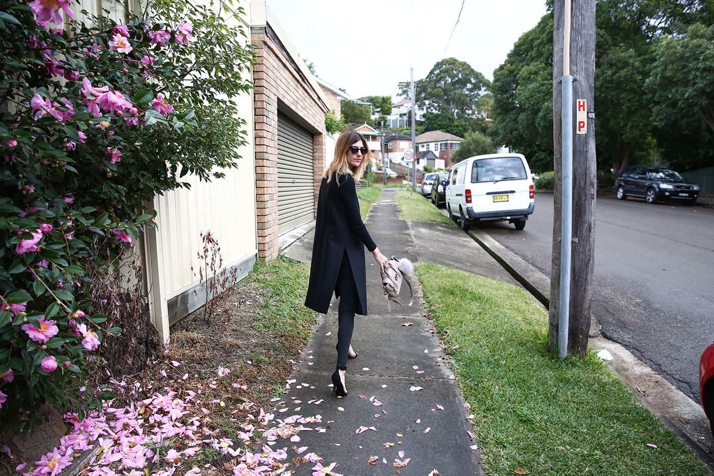 trend grommet minimal outfit